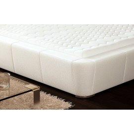 Ekskóra na łóżku Drago