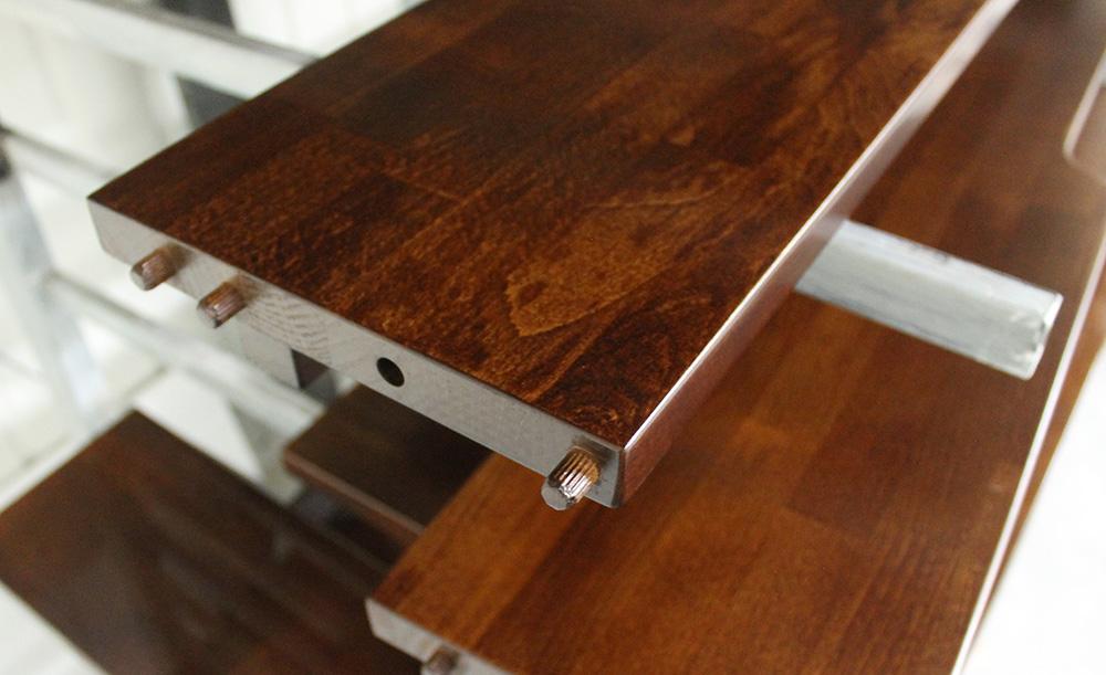 lakierowane drewno bukowe