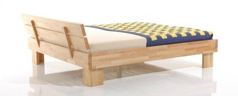 Łóżko od tyłu